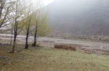 长毛岭养鹿场,位于类乌齐县长毛岭乡那登通,海拔3960米,离县城52公里。长毛岭养鹿场始建于1975