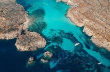 我是旅行家——马耳他最亮眼的名片之一 每年成千上万的人远赴千里 只为一睹它的芳容——科米诺岛 又称「