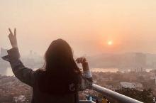 【景点攻略】 详细地址:厦门鼓浪屿日光岩  站在日光岩山门处,看到一块高40多米的巨岩,凌空而立,在