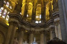 马拉加大教堂和巴塞罗那教堂有的拼