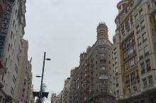 图1-4马徳里市格兰比兰大街,图5-7马德里太阳门广场,图8-9哥伦布和14少女雕像。