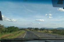 肯尼亚的路上的风景非常好。