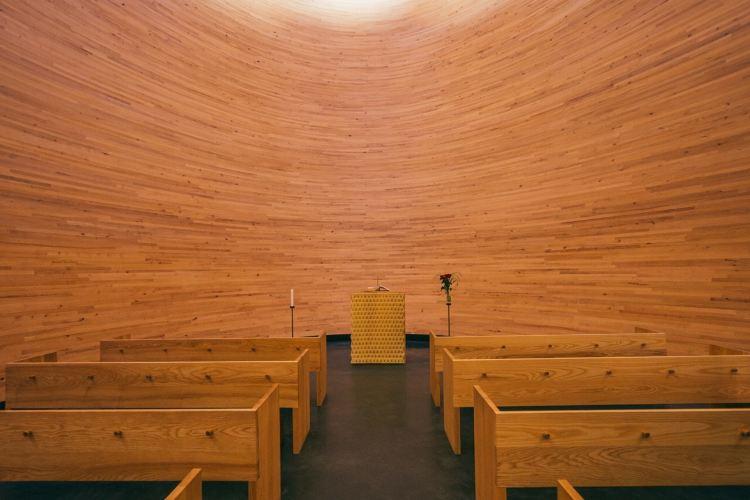 침묵의 캄피 교회4