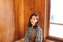 釜山探店 三个韩国小哥哥开的网红咖啡店  这家咖啡店是三个韩国小哥哥开的~看见我们拿着相机在拍照就问