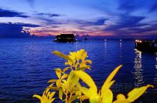 兰卡央,一座深海中的小岛,位于马来西亚东部的沙巴州的山打根境内,从大马首都吉隆坡坐飞机到山打根需要近