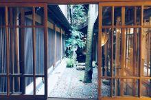 【日本随记】福住楼-一座有着日本历史文化遗产称号的旅店,百年的历史让旅店内外有着鲜明的对比,门外时而