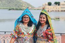 只能外观的贾尔玛哈尔宫(水之宫殿)Jal Mahal Palace,从琥珀堡回斋浦尔市区的路上正好一