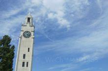 蒙特利尔市老城区的大钟