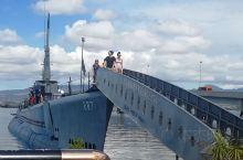 波分号潜水艇战舰博物馆和公园,也译为美国海军鲍芬潜艇博物馆和公园,其占地面积约一万平方英尺,位于珍珠
