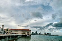 巴拿马似乎旅游资源不太丰富,今天上午看运河,下午逛古城,说实话古城惊艳到我了,浓浓的南美风情,非常值