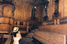 博洛尼亚应该是全意大利乃至全欧洲最有书卷味的城市,全世界第一所大学就在这里诞生。街上熙熙攘攘的全都是