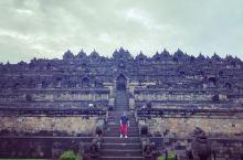 婆罗浮屠的日出