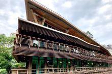 精致特别 绿意盎然—北投图书馆 北投图书馆的特别: 北投图书馆是台北首座绿建图书馆,建在北投公园里面