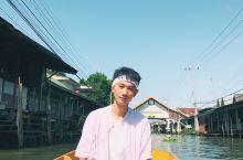 #旅行随手拍##豆游记trip# 不知道你有没有看到过这样的情景,一条小河流,在你的面前,河道边有一