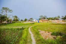 古代尼泊尔,奇特旺属于皇家猎场,后成立国家公园(被列入世界遗产)。随着旅游发展,附近一些古老村落逐渐