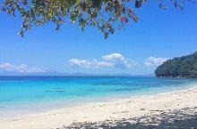 绝美的沙滩,婚礼圣地  这次是闺密举办婚礼的日子,身为伴娘的我,当然不能缺席啦!他们是在Pangub