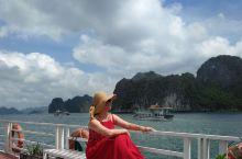 旅游不在乎终点,而是在意途中的人和事还有那些美好的记忆和景色。