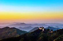 莫干山风景区里的日出。
