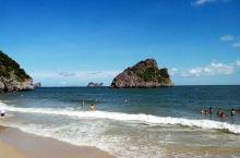 吉婆岛算是越南的一个度假岛屿,可以在岛上居住一个晚上,在涂山那边有直接到吉婆岛的游船码头,可是要看好