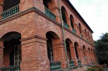 淡水红毛城是淡水最具历史意义的建筑,也是台湾一级古迹。最初由西班牙人建立,后来荷兰人统治了台湾,重新