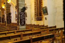 涠洲岛的大暴雨阻挡不了我进教堂的心。