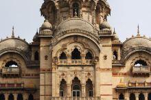 巴罗达的骄傲——Laxmi Vilas Palace 来到了瓦多达拉,随便询问一位当地人这附近有什么