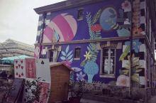 Le Pavillon des Canaux (运河上的小凉亭),横跨巴黎卢瓦河沿岸,可以说是一比一