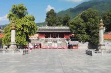 四川平武县报恩寺:座落在四川省平武县城东北角,是一处保存完整的明代古建筑群。