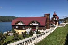 点缀在广袤的西伯利亚的,永远属于贝加尔湖和伊尔库斯克。
