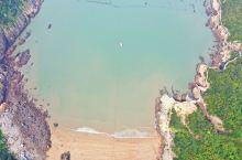 """洞头大沙岙""""黄金滩"""" 大沙岙其状呈畚箕形,东北朝大海。退潮时露滩,坡度平缓,海面开阔,海水清澈。半环"""