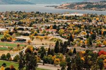 加拿大彩虹小城基洛纳,一到秋天,美炸了!