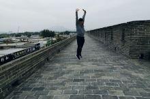 兴城城墙上