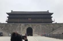 在西安六百多年的城墙上骑行 可以俯瞰西安城 走走停停 体验古都西安的辉煌与沧桑