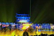 平遥5D灯光秀,又是平遥一景。感叹古城良心巨献,震撼无比。整个灯光秀18分钟,位于南门外,免费观看哦