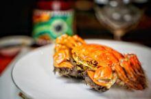 【在吃蟹这个问题上成年人从来不做选择题】[奸笑]  天气渐凉,一年一度的大闸蟹季节,不多吃几种蟹怎么
