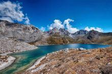 来到四川——不能错过这里的「沟」 措普沟 这里浓缩了川西藏区的美景,雪山、草原、森林、湖泊、寺庙