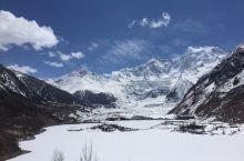 318川藏线就是一各种景致的堆砌,雪山、高原湖泊、草原、寺院、峡谷、还有冰川。虽然是一处不经意的小景