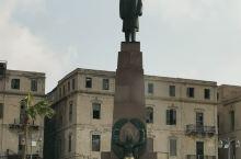 亚历山大市中心雕塑
