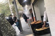 #严老幺烧卖过早# 油饼烧卖来一套,肉多油香胡椒少,番茄汤包姜味重,三鲜豆皮咪道好,一家三口胃口小,