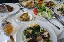 2019.9.21参观完塞尔维亚历史博物馆,塞兄弟带我们在贝尔格莱德老城区有187年历史的餐馆大口喝