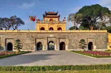 升龙皇城,河内最早的皇城,保存很好,城墙、城门都修辑过,城内还有不少建筑,有部分区域还在修复中。