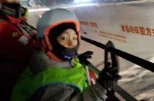 度假村里,滑雪滑到超级high,!