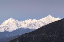 【景点攻略】 详细地址:云南迪庆藏族自治州德钦县梅里雪山国家公园  交通攻略:飞机到丽江,开车经香格