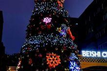 沈阳北市教会,圣诞之夜,格外美丽,外地来沈阳的朋友,想做礼拜的,可以来这里,很大的教堂,愿上帝与我们