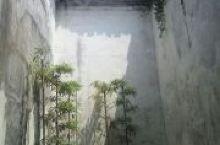 盐官古镇,自古就是因此地晒盐制盐闻名而得名,已经有三千年的历史了,如今更是以钱塘观潮胜地而闻名遐迩。