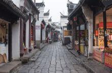 安徽这座古镇保留完好,不收大门票,还是合肥首个5A景区 提起安徽的古镇,可能大多数人想到的是皖南地区
