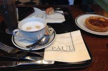 Paul咖啡面包店,一定感觉很熟,对了!它在上海出现过,在欧洲各国就更不用说。面包是我喜欢的口味,基