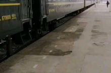返程随拍2 (K1561次列车停靠于合九线上的安徽省安庆市太湖站1站台)