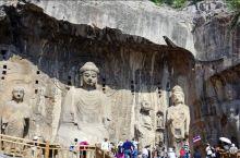 洛阳的龙门石窟特别闻名于中外,在南北朝时期开始兴建,到了隋唐更有大规模开凿,虽经岁月洗礼,单仍有大量