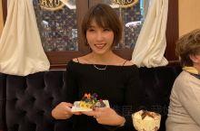 本人爱吃蛋糕爱喝咖啡。上海的COVA我就爱吃的,呵呵来了意大利不能错过哦!爱吃才会赢  在著名的蒙特